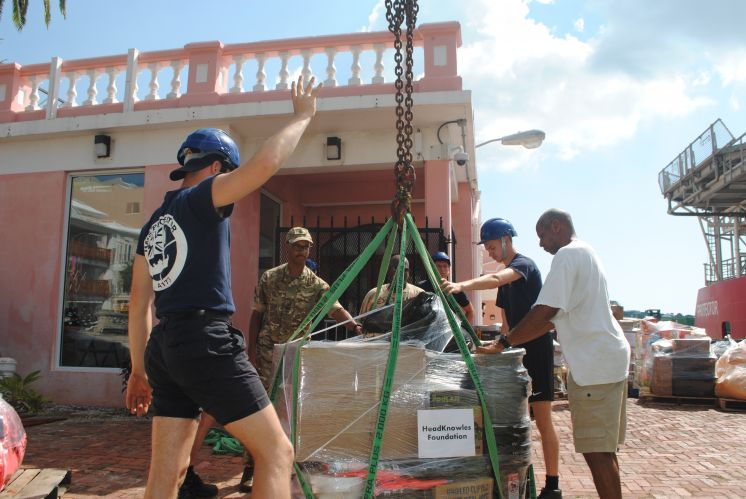 RBR Help Fill RN Ship With Bahamas Aid